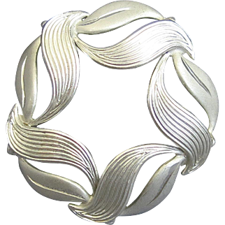Vintage Beau Sterling Leaf Circle Pin Silver Modernist