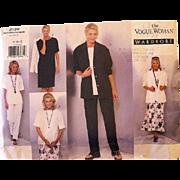 Vintage VOGUE WOMAN Wardrobe PATTERN 2139 Uncut Unfolded Sizes 8 10 12
