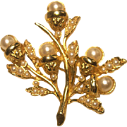 Vintage Brooch Pin Jewelry Floral Spray 1.5 Inch Gold Plate with Imitation Pearls Retro Chic
