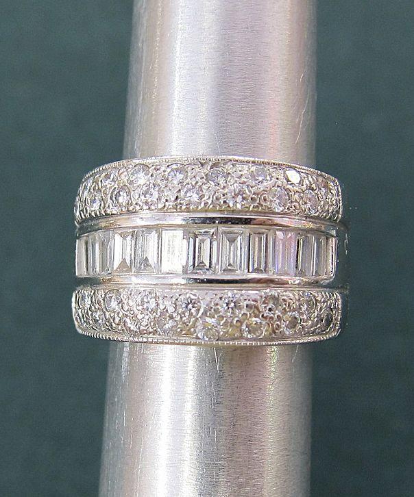 Fabulous Lady's 14K White Gold 3 Carats Diamonds Ring