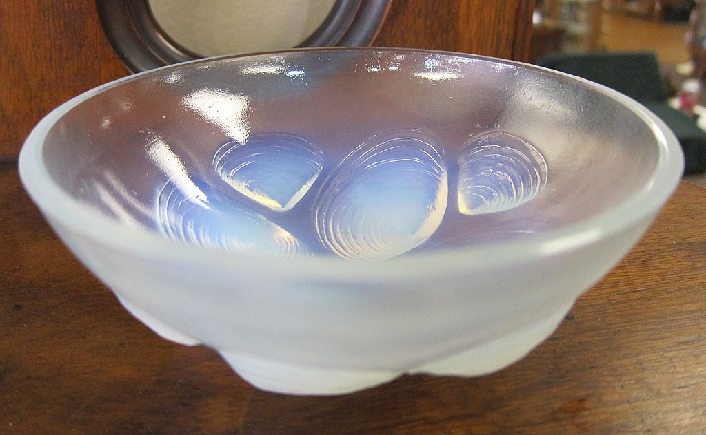 Sabino Glass Shell Bowl
