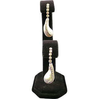 Lady's 18K White Gold 1.10 Carat Total Weight VS Clarity & G Color Diamonds with Biwa White Baroque Pearls Earrings