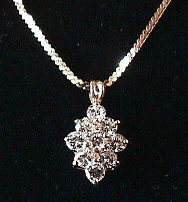 VS Diamond Pendant & 14K Chain - 1 Carat