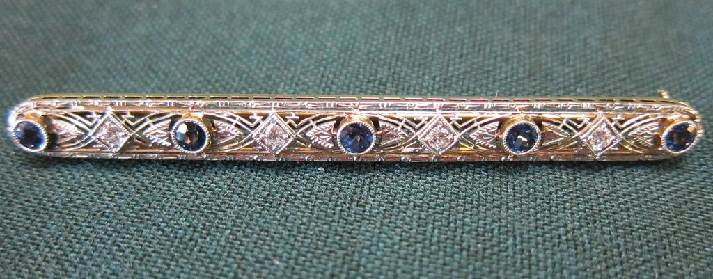 Lady's 14 KT VS Diamond and Sapphire Art Deco Bar Pin