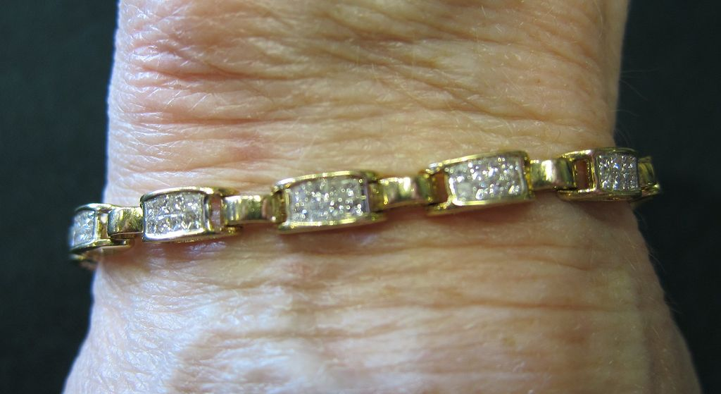 Lady's 14K Yellow Gold Bracelet - 2.4 Carat of Diamonds