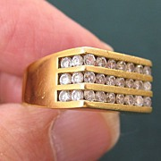 Man's 18K Yellow Gold & VS Diamond Ring