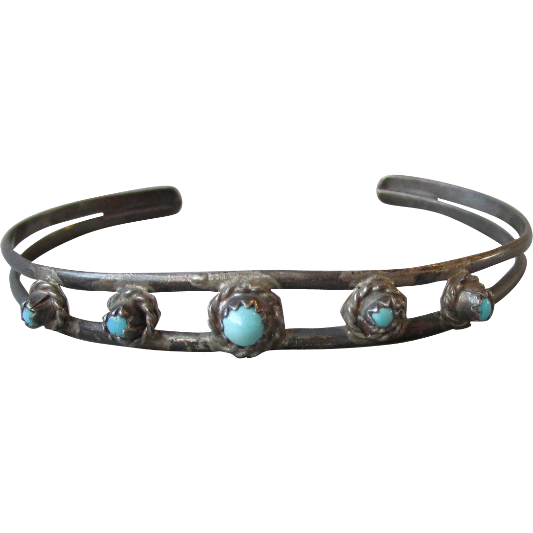 Early Native American Vintage Zuni Sterling Silver & Turquoise Delicate Snake Eyes Cuff Bracelet