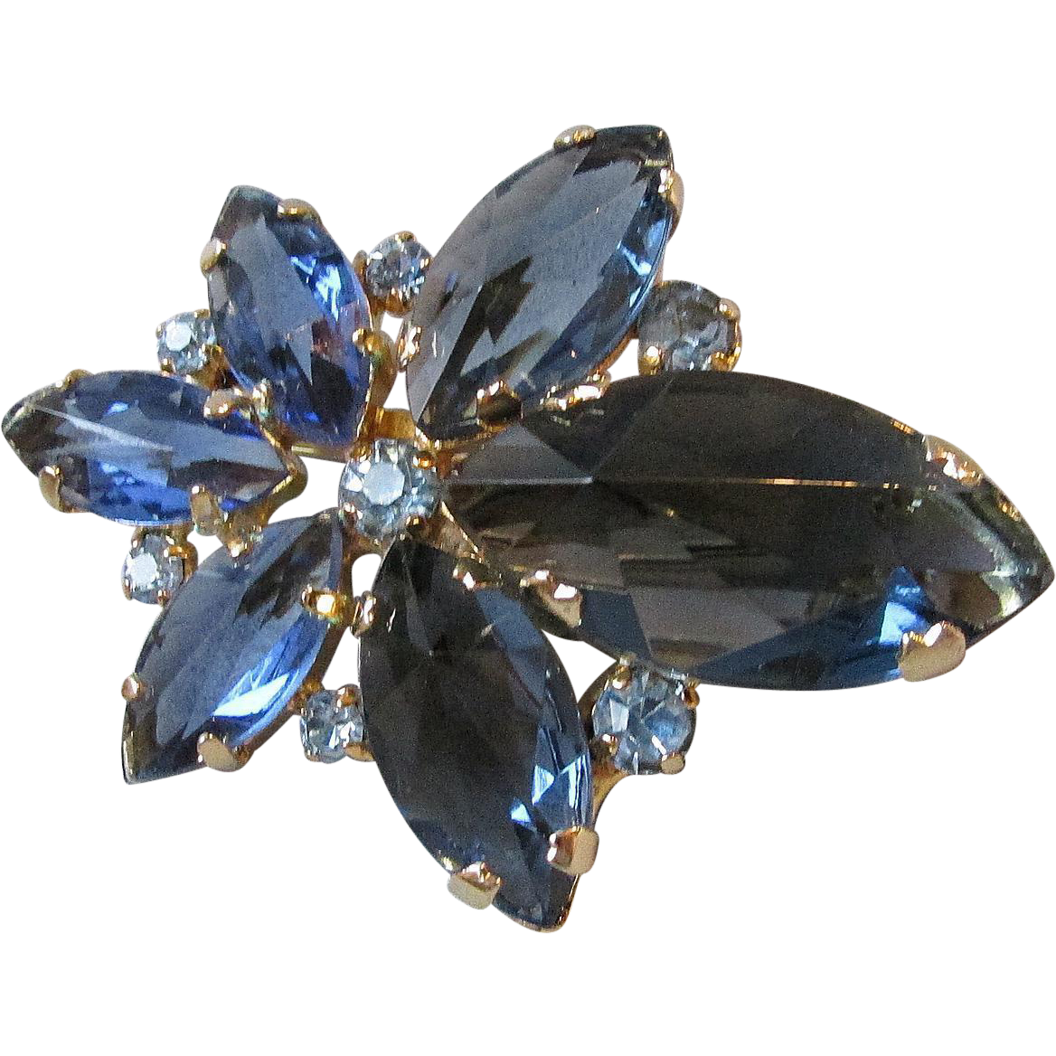 RARE Spectacular Made in AUSTRIA Deeply Faceted Montana Blue Crystal Rhinestone Pin