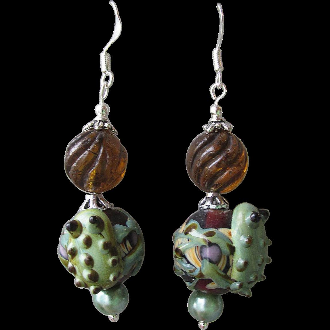 """""""My Secret Garden"""" Lampwork Art Glass Artisan Earrings, """"Frog & Amber Bubbles"""" #31"""