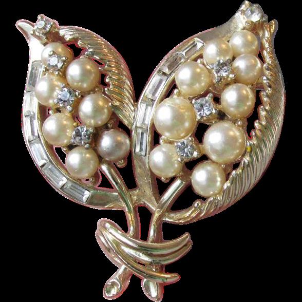 1950's Vintage CORO Faux Pearl & Rhinestone Leaf Pin