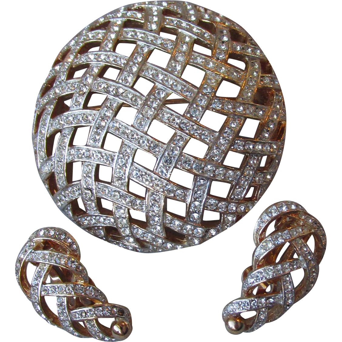 Quality 1960's Vintage Open Basket Weave Rhinestone Pave Gold Tone Pin & Earrings Set