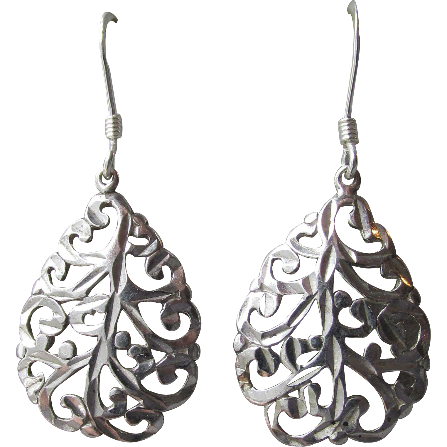 Pretty Filigree Sterling Silver Vintage Tear Drop Dangle Earrings