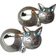 Rare PAIR Vintage Mexico Sterling Silver Signed Horacio de la Parra Modernist CAT Pins, Blue Rhinestone Eyes