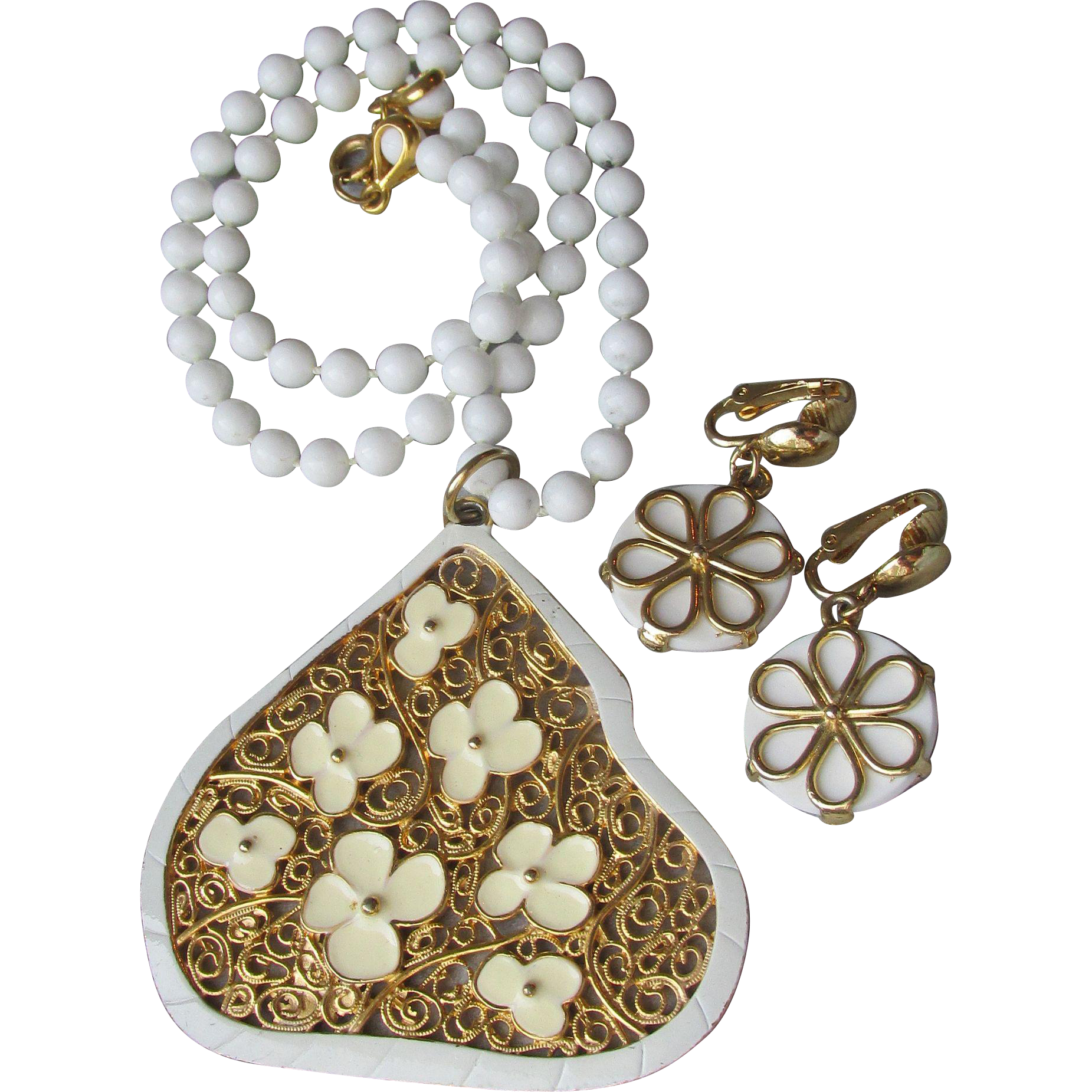1960's Vintage MOD Summer White Enamel & Lucite Bead FLOWER Necklace & Earrings Set
