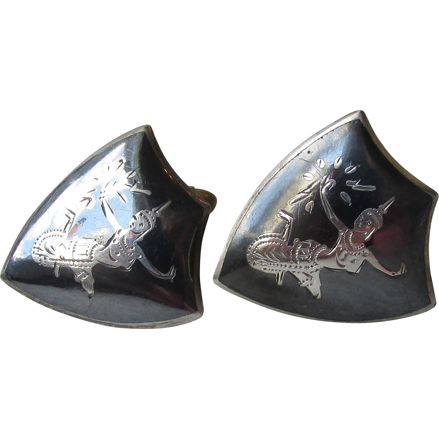Vintage Siam Sterling Silver Black Enamel Niello Dancer Goddess Shield Shaped Cufflinks