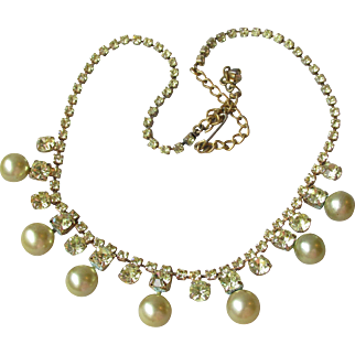 1950's Vintage Pale Yellow Rhinestone & Drop Faux Pearl Necklace