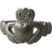 Vintage Black Sterling Silver Dainty CLADDAGH Ring, Made in Ireland, Size 6