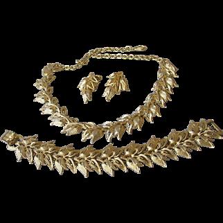 Pristine 1950's Vintage CORO Pegasus Brushed Gold Tone TULIP Link Parure, Bracelet, Necklace, Earrings