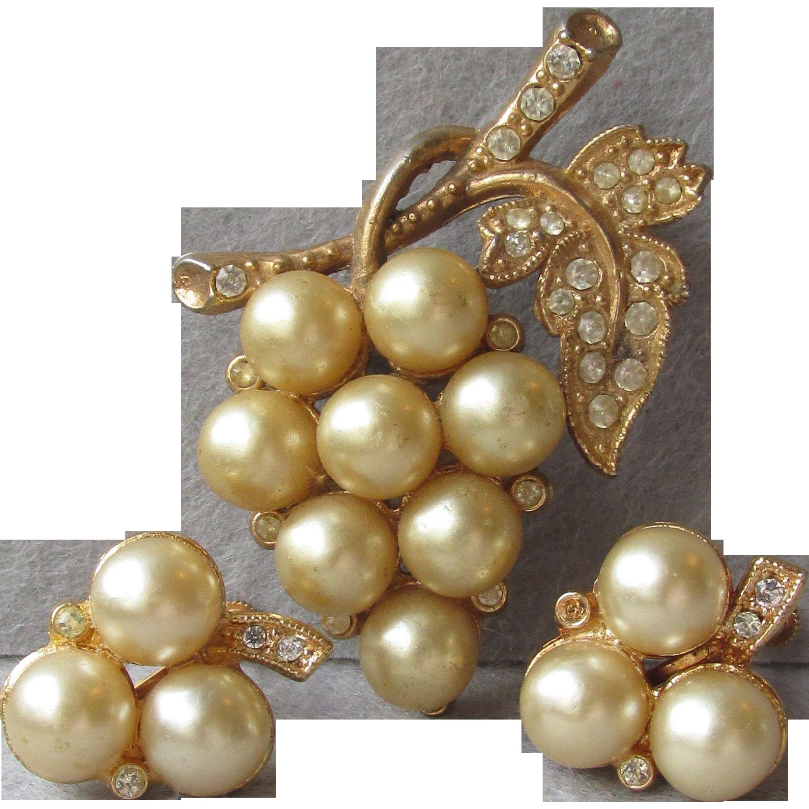 Retro 1940's Faux Pearl, Rhinestone Grape Bunch Pot Metal Pin & Earrings Set