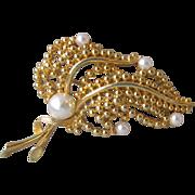 Vintage LISNER Faux Pearl Flower Spray Pin