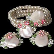 Pretty 1950's Vintage Haskell Wannabee Faux Pearl, Rhinestone & MOP Memory Wire Bracelet & Earrings Set