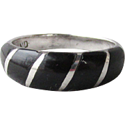 Signed Vintage Native American ZUNI Inlaid Onyx Sterling Silver Band Ring, Size 10