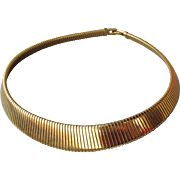 MONET Vintage 1990's Flat Gold Tone Ribbed Omega Collar Necklace