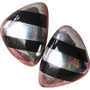 Signed J. Gomes Comes Modernist Vintage Taxco Mexico 970 Sterling Silver & Black Onyx Pierced Earrings