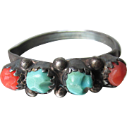 EARLY Zuni Native American Hand-Crafted Sterling Silver, Turquoise, Coral Petit Point Band Ring Size 9