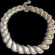 Signed TRIFARI Vintage Rhinestone Edge Gold Textured Links Necklace
