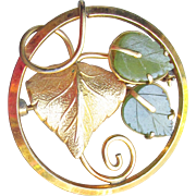 Pretty 12k Yellow Gold Filled JADE Ginkgo LEAF 1960's Modernist Vintage Circle Pin