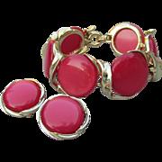 Signed LISNER 1950's Vintage Big Round Pink/Red Thermoset Bracelet & Earrings Set