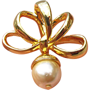 Nolan Miller Vintage Dangle Faux Pearl BOW Pendant
