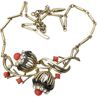 Early Signed CORO Faux Coral & Rhinestone Vintage Flower Necklace