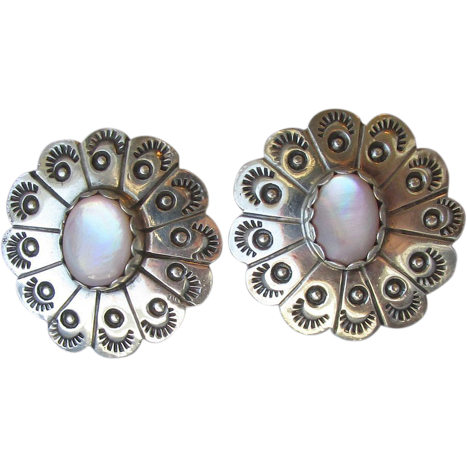 DRASTIC REDUCTION Native American Vintage Sterling Silver & Pink Mother-of-Pearl Button Pierced Earrings