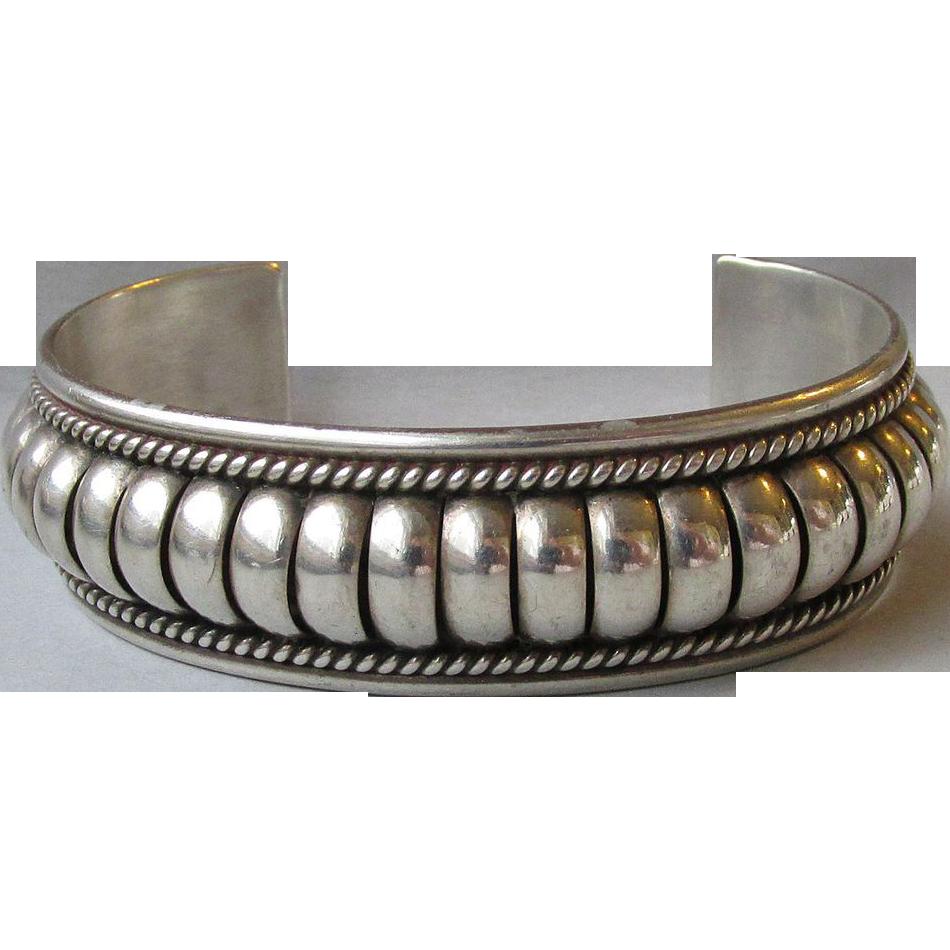 Vintage sterling silver native american navajo cuff for Sterling silver navajo jewelry