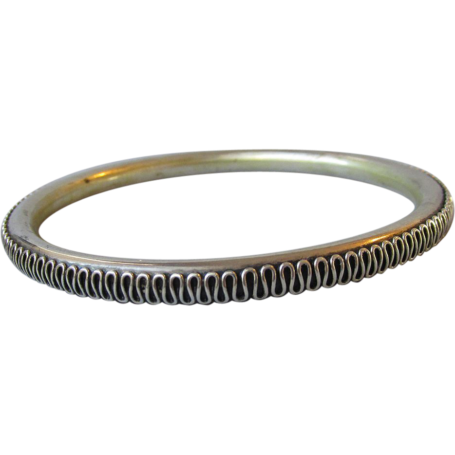 Vintage Heavy & Completely Scrolled Bali Sterling Silver Bangle Bracelet