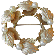RICHELIEU Signed Vintage Faux Pearl & Leaf Dimensional Circle Pin