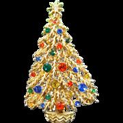 Vintage ART JEWELRY CO Rhinestone Christmas Tree Pin Figural Designer Signed Brooch