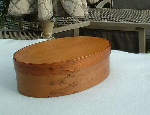 Vintage Shaker Society Three-Finger Oval Box and Cover in Plain Wood Finish - Very Large