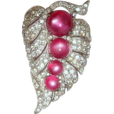 Vintage 30s Pave Rhinestone & Dark Pink Lucite Leaf-Shaped Dress Clip