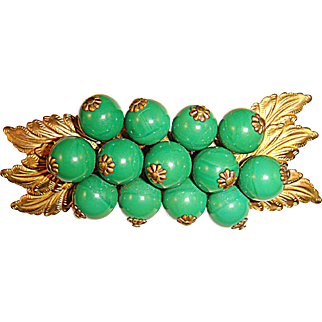 Vintage 30s/40s Unsigned Miriam Haskell Brooch w/Green Beads & Gilt Leaves