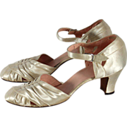 Vintage 1930s Ivory Satin Wedding or Evening Shoes 7.5N - Red Tag Sale Item