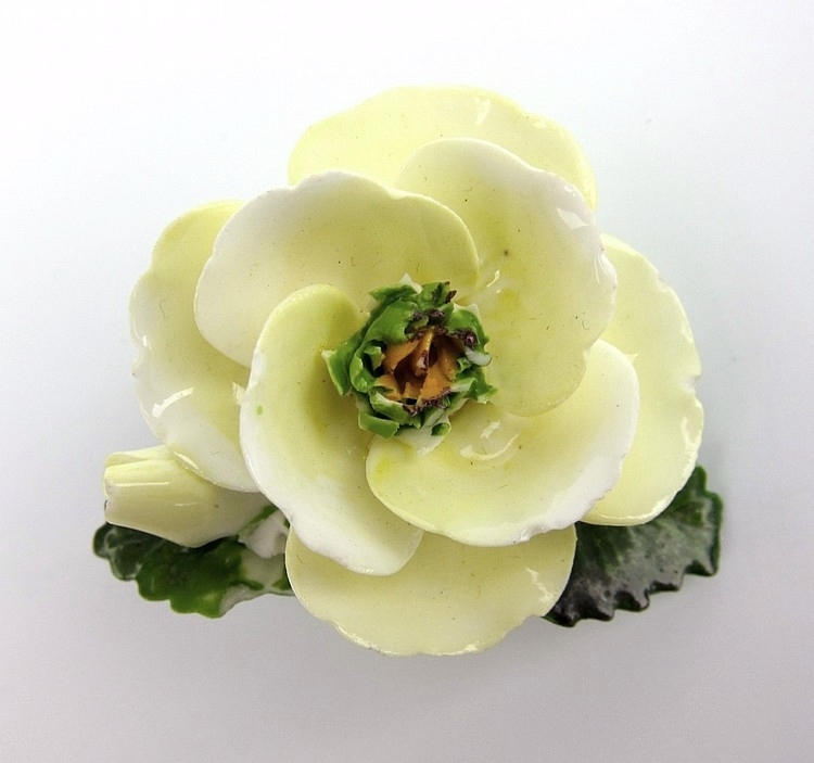 Old Porcelain Flower Brooch, Cara China