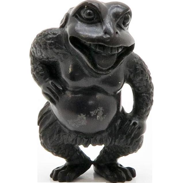 Japanese Hard-wood Netsuke Frog Artist signed