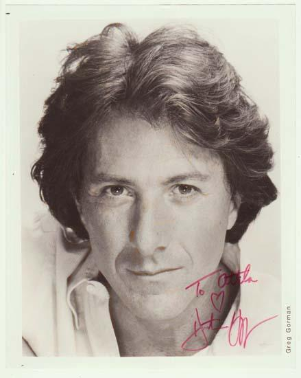 Dustin Hoffman Autograph: 8 x 10 inches. CoA