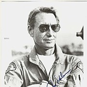 Roy Scheider Autograph on 8 x 10 b/w Photo. CoA