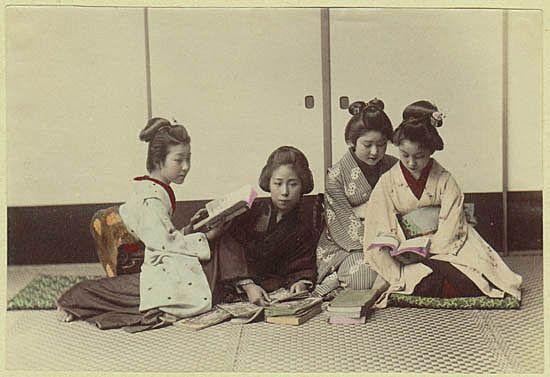 Japanese Girls. Tinted Albumen Photo. 1880s