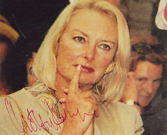 Eliette von Karajan Autograph. Famous late Conductor Karajan's Wife. COA