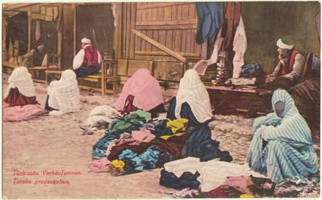 Turkish Ladies as Street Seller. Vintage Postcard from 1914